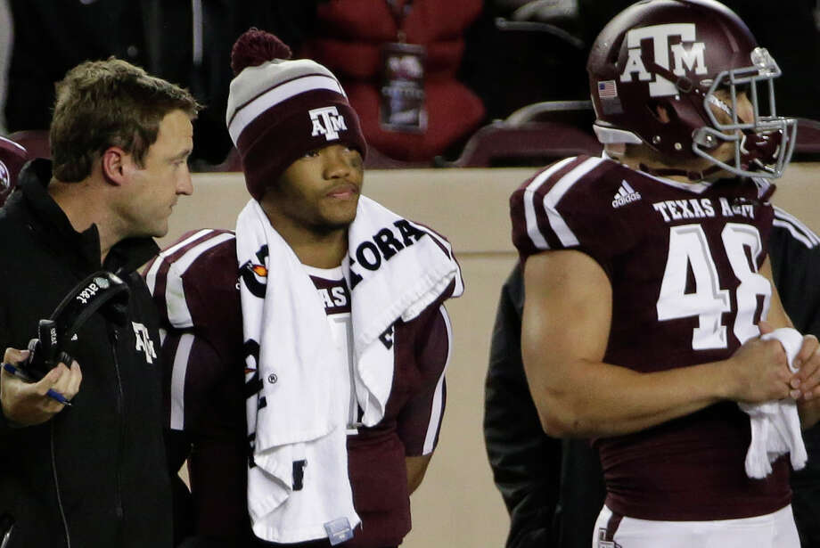 Texas A&M quarterback Kyler Murray (center) watches from the sideline during the second half against Auburn on Nov. 7, 2015, in College Station. Auburn won 26-10. Photo: David J. Phillip /Associated Press / AP