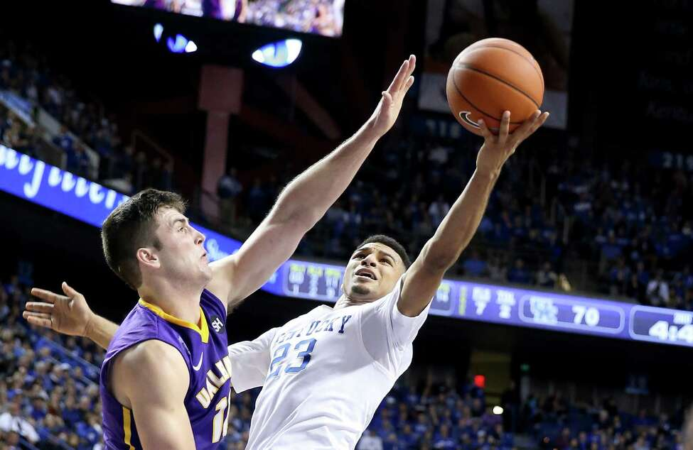 LEXINGTON, KY - NOVEMBER 13: Jamal Murray #23 of the Kentucky Wildcats shoots the ball during the game against the Albany Great Danes at Rupp Arena on November 13, 2015 in Lexington, Kentucky. (Photo by Andy Lyons/Getty Images) ORG XMIT: 585819017