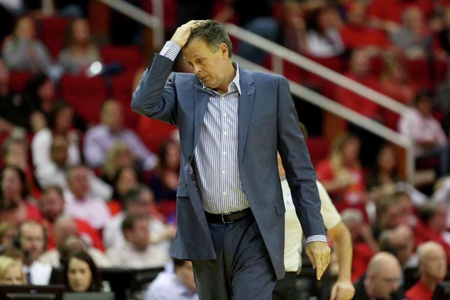 It was a tough night for coach Kevin McHale and the Rockets as they were not competitive from the start. Photo: Gary Coronado, Staff / © 2015 Houston Chronicle