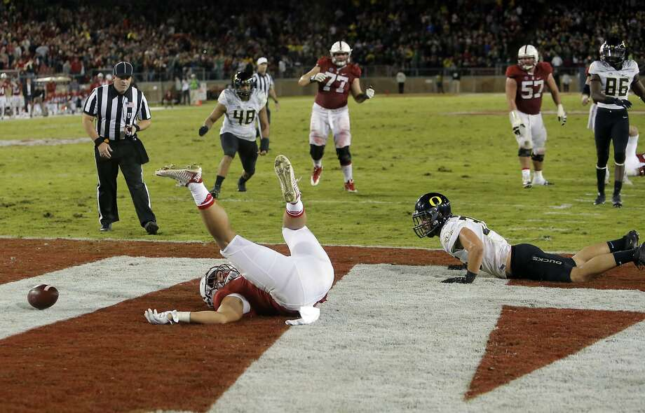 Stanford's Austin Hooper, 18 can't hold onto a pass that would have tied the game as the Cardinal went for a two point conversion and failed, as Oregon won 38-36 at Stanford Stadium on Sat. November 14, 2015 in Stanford, Calif. Photo: Michael Macor, The Chronicle