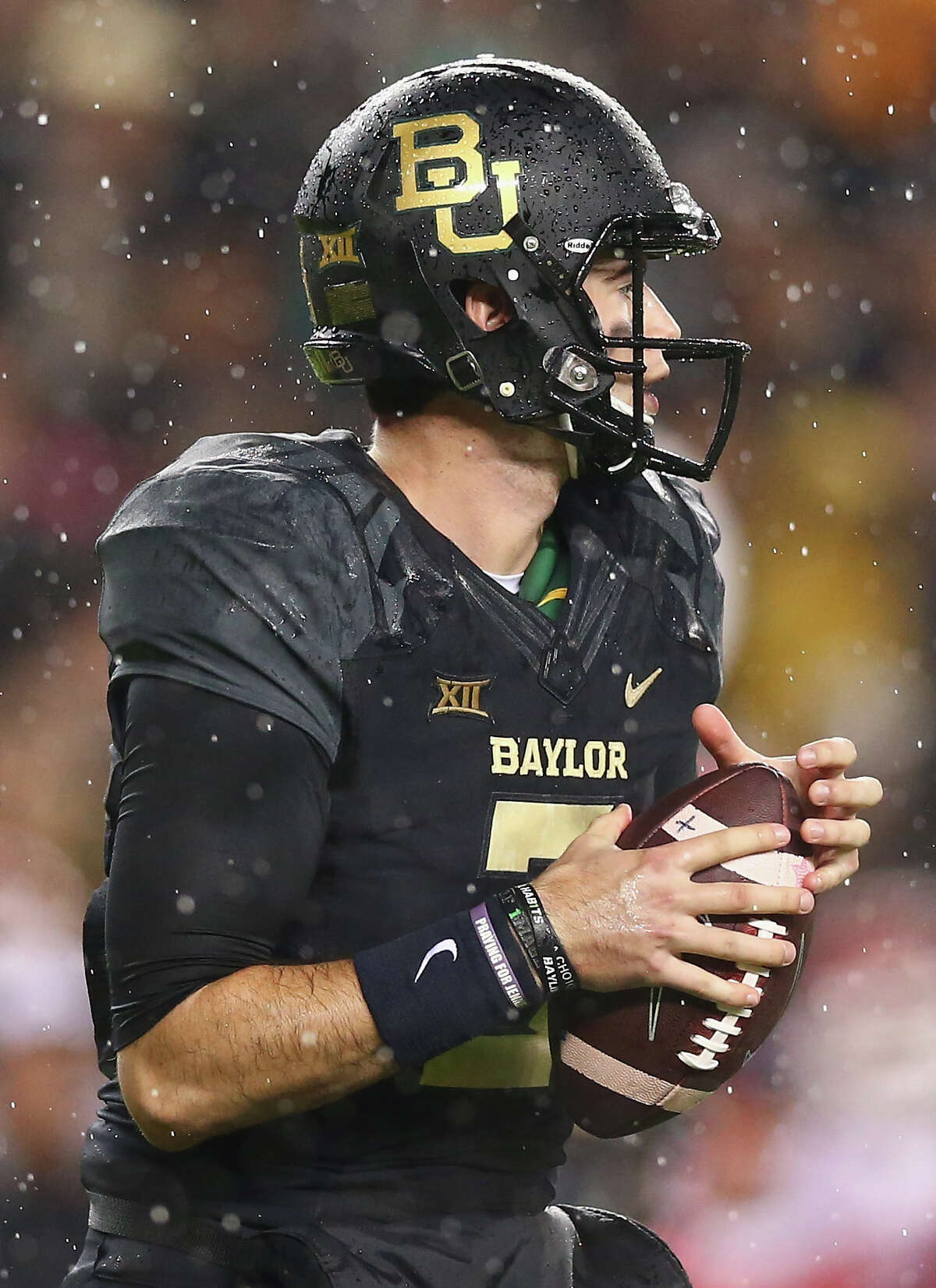 WACO, TX - NOVEMBER 14: Jarrett Stidham #3 of the Baylor Bears throws against the Oklahoma Sooners in the first quarter at McLane Stadium on November 14, 2015 in Waco, Texas. (Photo by Ronald Martinez/Getty Images)