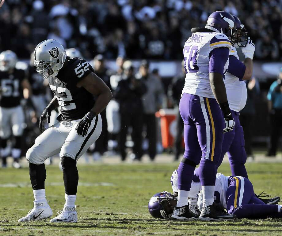 Khalil Mack (52) does a little dance after sacking Teddy Bridgewater (5) in the first half as the Raiders played the Minnesota Vikings at O.co Coliseum in Oakland, Calif., on Sunday, November 15, 2015. Photo: Carlos Avila Gonzalez, The Chronicle
