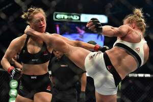 Ronda Rousey spotted in public, appears fully recovered from beating - Photo