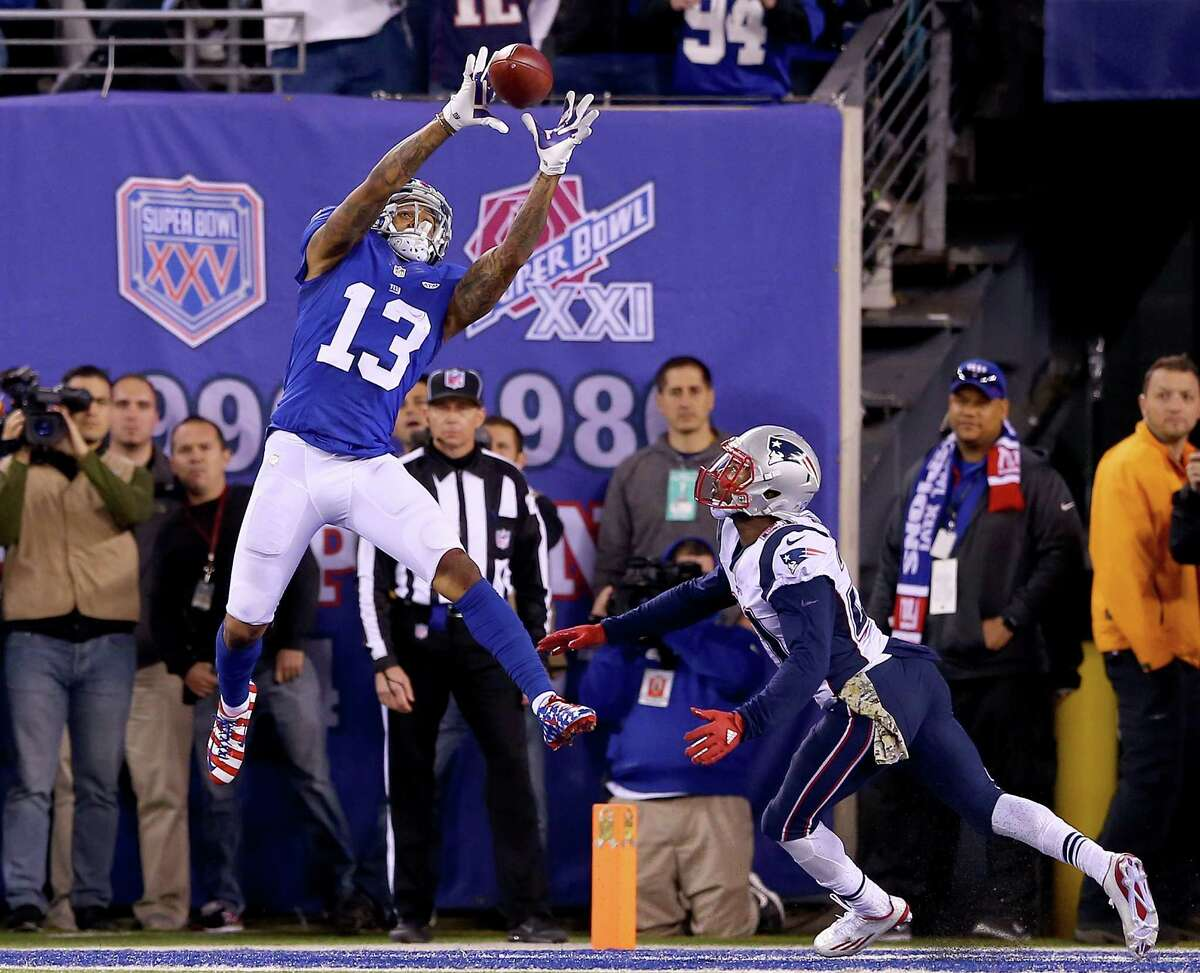 EAST RUTHERFORD, NJ - NOVEMBER 15: Odell Beckham Jr. #13 of the New York Giants goes up for the all in the endzone as Malcolm Butler #21 of the New England Patriots defends at MetLife Stadium on November 15, 2015 in East Rutherford, New Jersey.The pass was ruled incomplete on the play. The New England Patriots defeated the New York Giants 27-26. (Photo by Elsa/Getty Images) ORG XMIT: 582298837