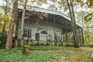 The 'Aluminum House' in Hawkins, Texas listed at $1.5M - Photo