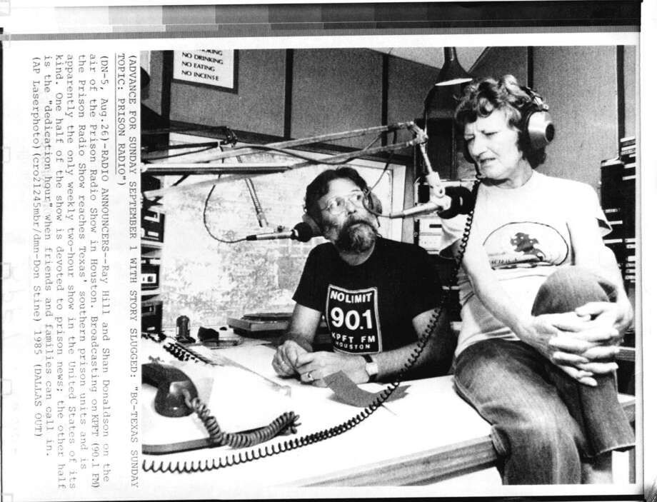 Ray Hill and Shan Donaldson on the air with the Prison Show in 1985. Photo: DON STINE, DALLAS MORNING NEWS / AP