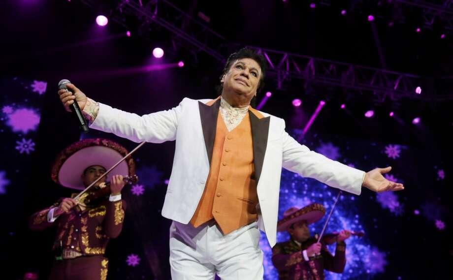 Escenas del concierto de Juan Gabriel en Houston. Photo: Jon Shapley, Houston Chronicle
