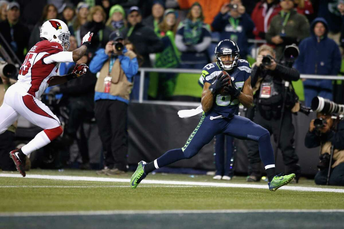 Wide receivers/tight ends: Doug Baldwin gets a passing grade, but everyone else needs to come back for some remedial work. Jimmy Graham dropped three passes and was called for holding, Luke Willson committed two costly penalties and Jermaine Kearse let one go right off his hands. Paul Richardson provided a nice spark -- for one play.Grade: D-