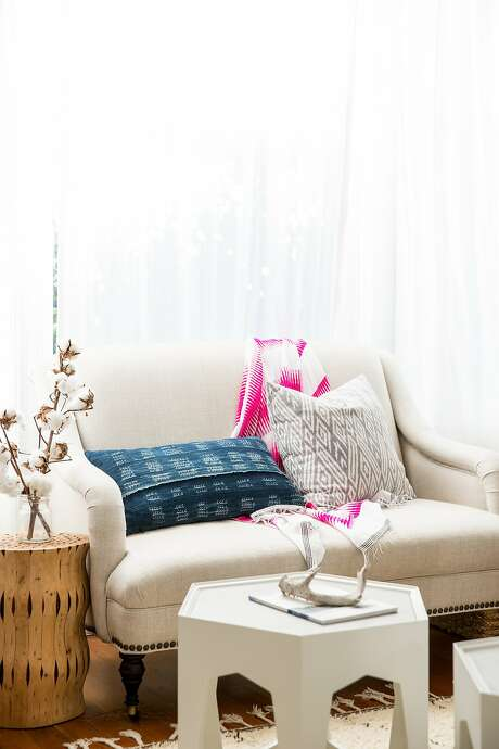 The plush love seat in interior designer Lauren Nelson's S.F. apartment. Photo: Aubrie Pick