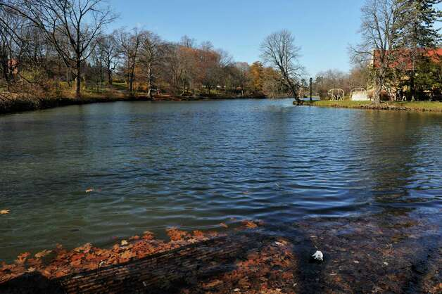 A view of Washington Park Lake, seen here on Monday, Nov. 16, 2015, in Albany, N.Y. The water level of the lake will be lowered over the course of several days to help aid investigators as police search for the murder weapon used to fatally stab Jacquelyn Porreca in August. It will be brought back to its normal water level naturally. (Paul Buckowski / Times Union) Photo: PAUL BUCKOWSKI / 00034279A