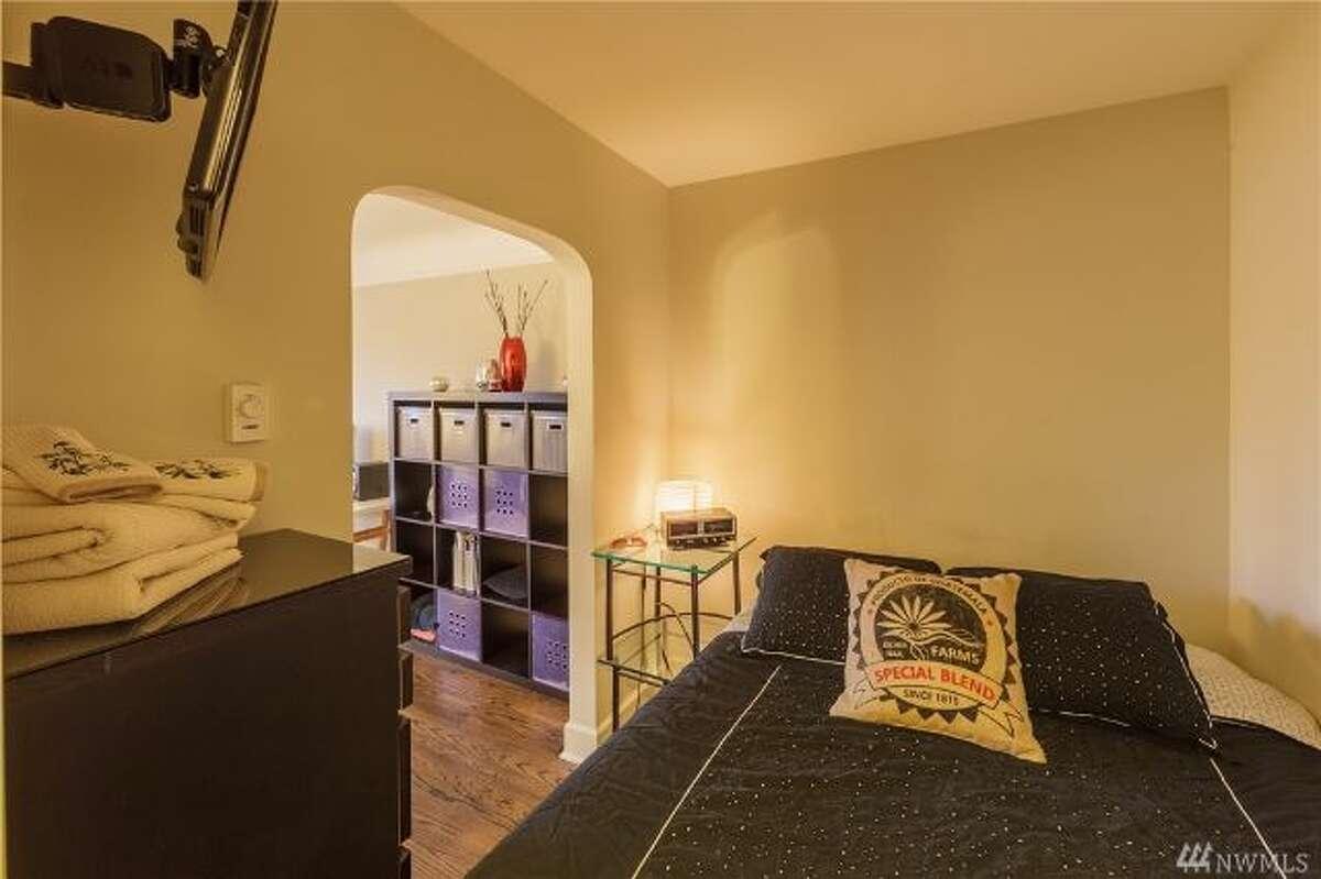 The bedroom in 325 Harvard Ave. E. #501
