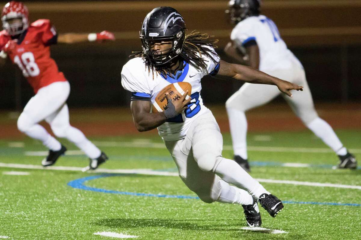 District 24-6A turned a few heads last week when it won all four of its first-round games. The most surprising was Clear Springs' victory over Alief Taylor. The district can't sweep another this week but can grab some more attention if it wins four more games. Clear Springs is the only one not to face a 22-6A team, instead facing North Shore for the fourth time in the last two seasons. The Chargers have not won any of the games. Clear Creek will face Manvel. Dickinson will face Pearland. Friendswood will take on Dawson.