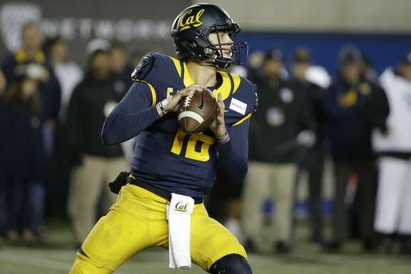 California quarterback Jared Goff during an NCAA college football game against Oregon State Saturday, Nov. 14, 2015, in Berkeley, Calif. (AP Photo/Eric Risberg)