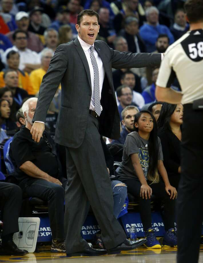 Golden State Warriors' interim head coach Luke Walton argues a call in 2nd quarter against Toronto Raptors during NBA game at Oracle Arena in Oakland, Calif., on Tuesday, November 17, 2015. Photo: Scott Strazzante, The Chronicle