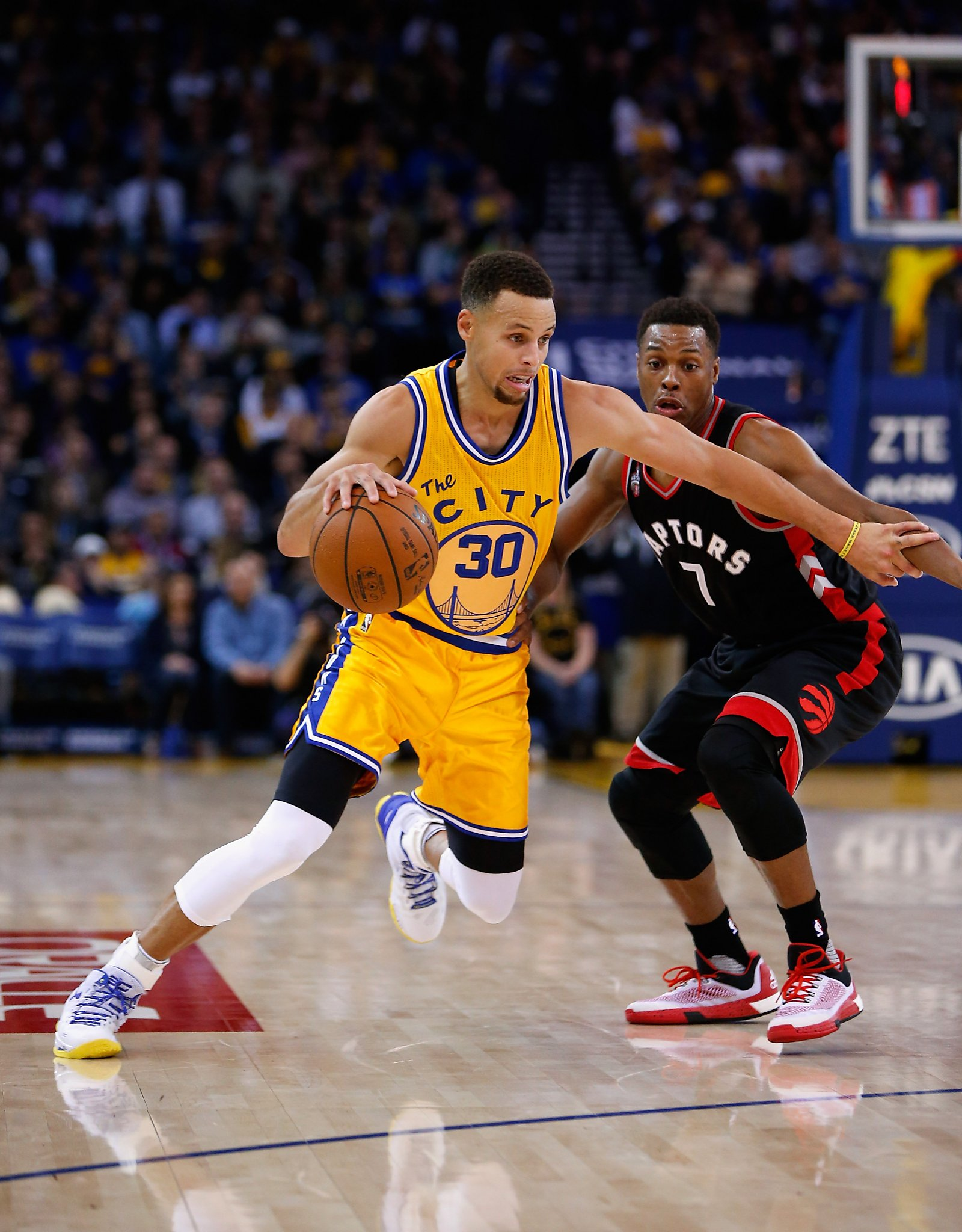 73071c4c119f Curry sports short shorts in Warriors  victory - SFGate