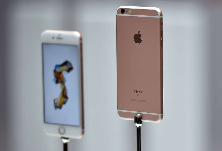"The iPhone SE is cheaper than previous iPhones:  (The SE is priced at $399 for 16gb and $499 for 64gb) Come this fall, the iPhone SE will be Apple's ""budget"" phone in mature markets, with the iPhone 6s/6s Plus likely seeing price reductions as well (starting at $550 and $650, respectively). Photo: JOSH EDELSON, AFP/Getty Images"