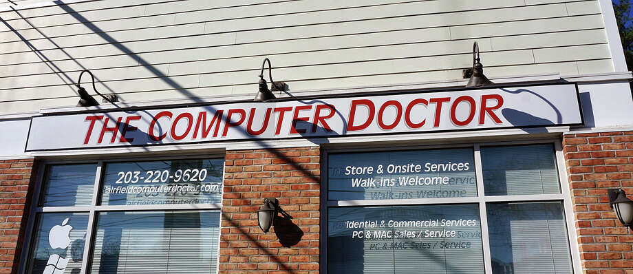 Police received complaints from three different customers of The Computer Doctor on the Post Road that they have been unable to get their computers back. Photo: Genevieve Reilly / Hearst Connecticut Media / Fairfield Citizen