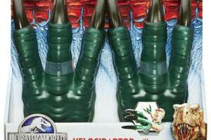Dinosaur claws among items on annual list of dangerous toys - Photo