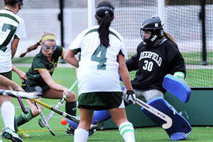 Greenwich Academy defeats Deerfield, advances to NEPSAC field hockey semifinals - Photo