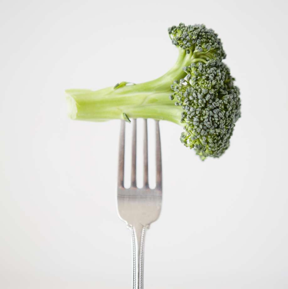 Despite an interest in vegetable-forward restaurants, Americans are still not having enough vegetables. Photo: Getty Images/RooM RM