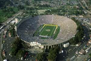 Rose Bowl has cast an aura worthy of the Super Bowl - Photo
