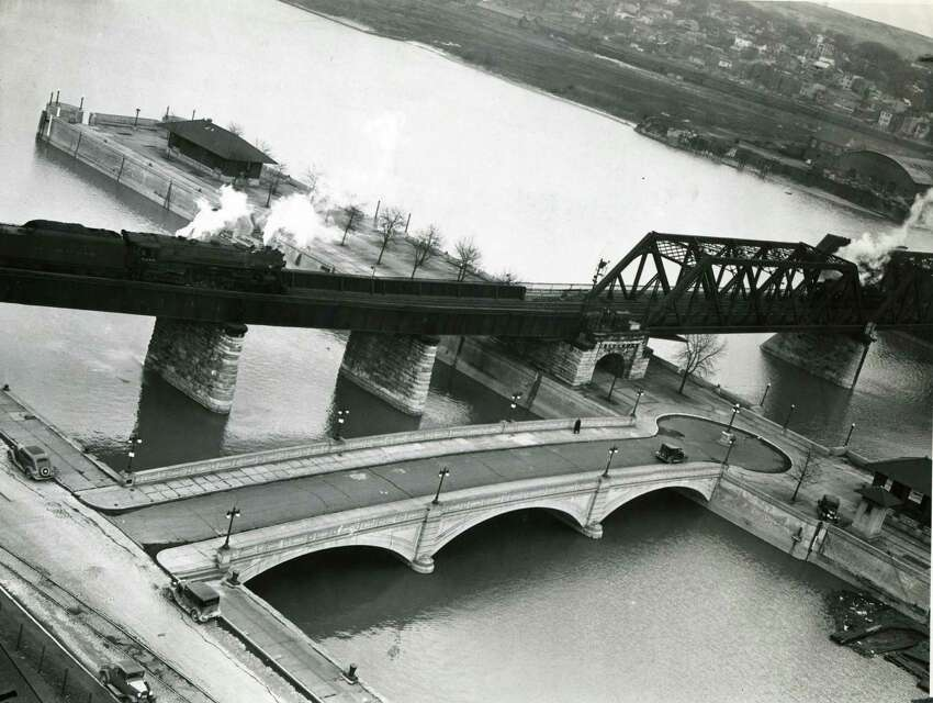 Albany Yacht Club and Maiden Lane Bridge March 31, 1937. (Times Union archive)