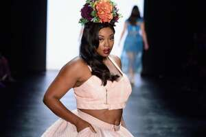 "Ashley Nell Tipton wins ""Project Runway"" - Photo"