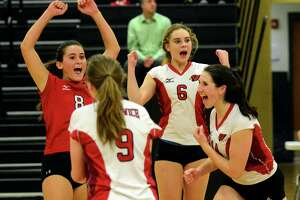 Greenwich sweeps Southington, advances to Class LL volleyball finals - Photo
