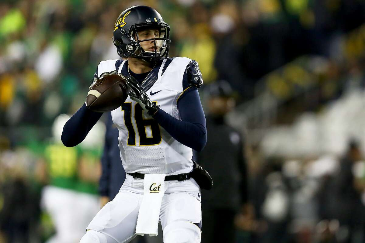 California quarterback Jared Goff (16) warms up before an NCAA college football game against Oregon, Saturday, Nov. 7, 2015, in Eugene, Ore. (AP Photo/Ryan Kang)