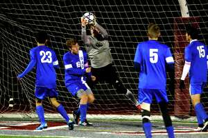 Darien boys soccer defensive about run to championship game - Photo