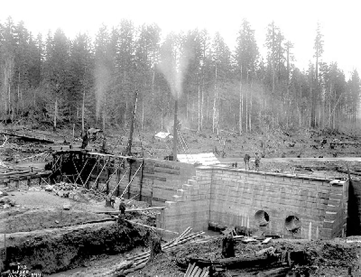 According to the caption, this photo shows the Landsburg Intake Number 3 under construction on Nov. 20, 1899. Photo courtesy Seattle Municipal Archives.