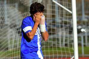 Darien loses to No. 1 Glastonbury in Class LL boys soccer final - Photo