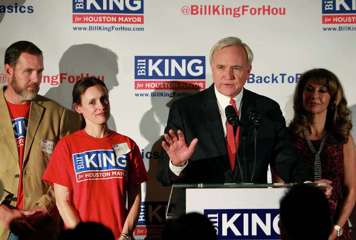Houston mayoral candidate Bill King promotes himself as an politically independent businessman. Supporters of his campaign, however, include partisan groups such as the Kingwood Tea Party and Spring Branch Republicans.
