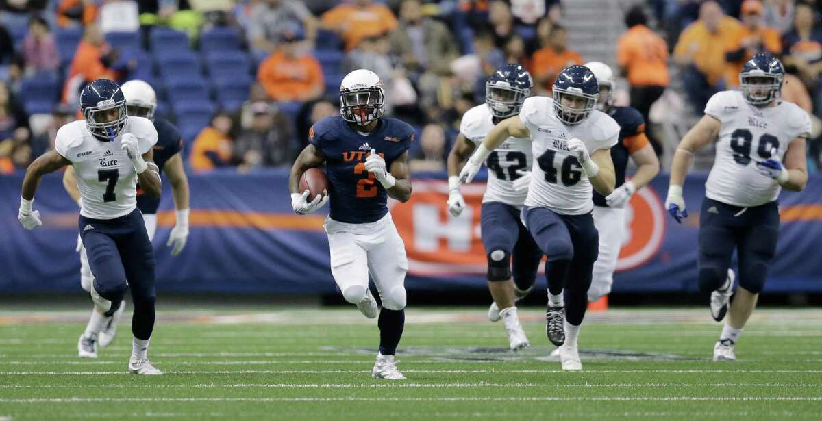 UTSA running back Jarveon Williams (2) runs for a touchdown against Rice during the first half of an NCAA college football game, Saturday, Nov. 21, 2015, in San Antonio. (AP Photo/Eric Gay)