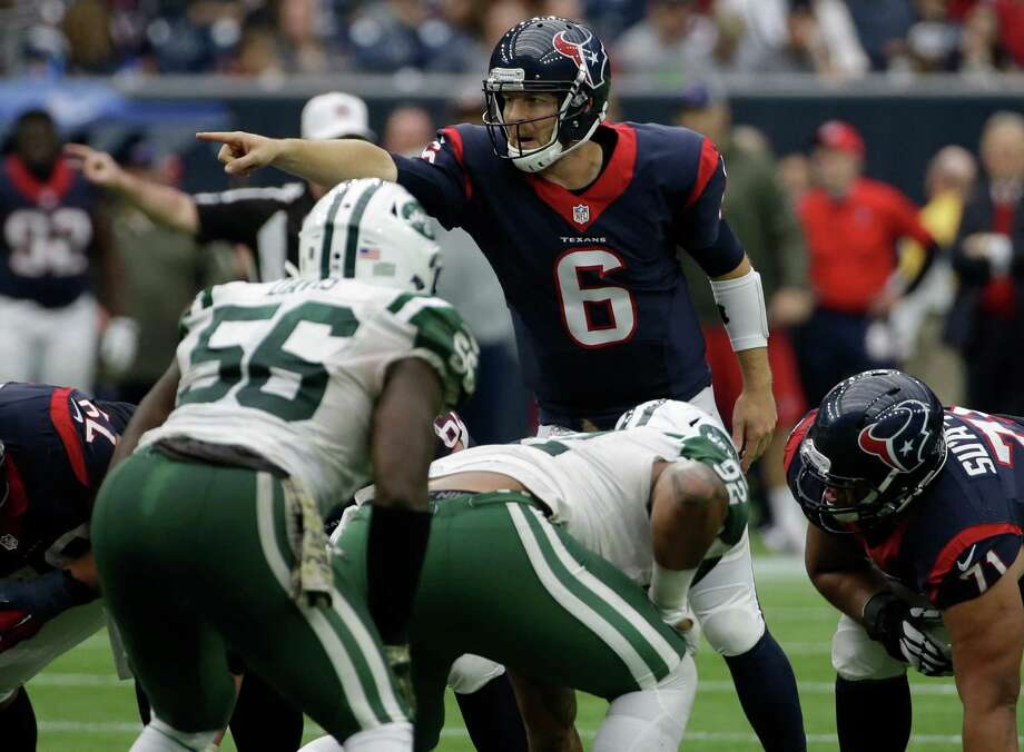 Houston Texans quarterback T.J. Yates (6) signals to his team during the second half of an NFL football game, Sunday, Nov. 22, 2015, in Houston. (AP Photo/David J. Phillip) Photo: David J. Phillip, STF / Associated Press / AP
