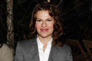 Comedian Sandra Bernhard's performance is peculiar, brief in Troy - Photo