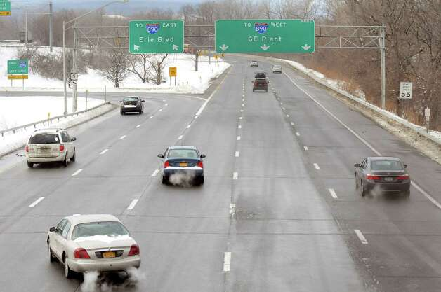 Vehicles entering the Erie Boulevard loop from State Street have to cross several lanes to get to the Highway 890 east entrance ramp on Wednesday, Feb. 4, 2015, in Schenectady, N.Y. (Cindy Schultz / Times Union archive) Photo: Cindy Schultz / 00030472A