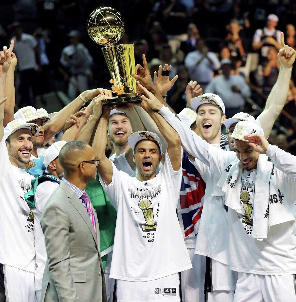 T5. San Antonio: 5 NBA: 5 (Spurs 1999, 2003, 2005, 2007, 2014)