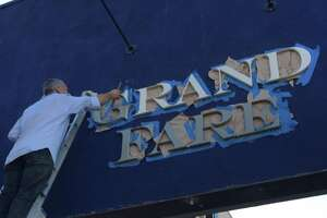 Grand Fare Market closes suddenly in Oakland - Photo