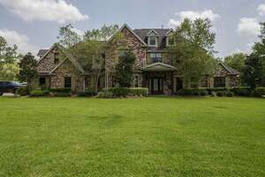 24-acre Lumberton property boasts home with 'gun room' - Photo