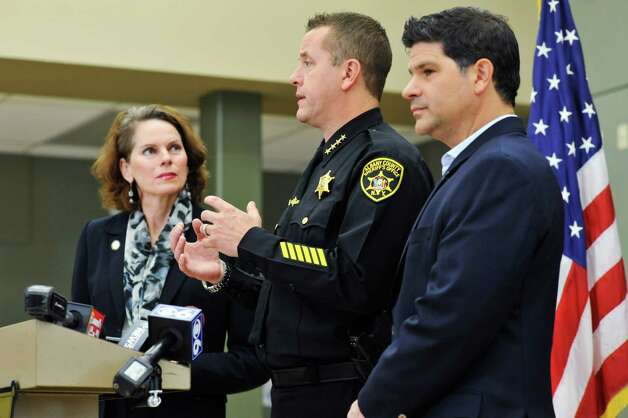 Assemblywoman Patricia Fahy, left, Albany County Sheriff Craig Apple, center, and Senator George Amedore take part in a press conference to talk about the new legislation on Monday, Nov. 23, 2015, in Clarksville, N.Y., that was passed and signed by the governor, in response to the  Kenneth White case. (Paul Buckowski / Times Union) Photo: PAUL BUCKOWSKI / 10034405A