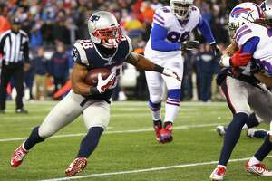 Patriots remain perfect - Photo