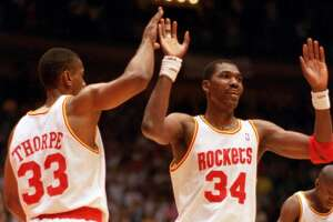 Reliving the Rockets' historic 15-0 start to the 1993-94 season - Photo