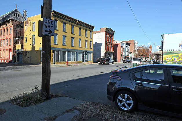 Corners of Washington and Fourth streets where personal papers of missing Troy woman Noel Alkaramla were found on Tuesday, Nov. 24, 2015 in Troy, N.Y. (Lori Van Buren / Times Union) Photo: Lori Van Buren / 10034426A