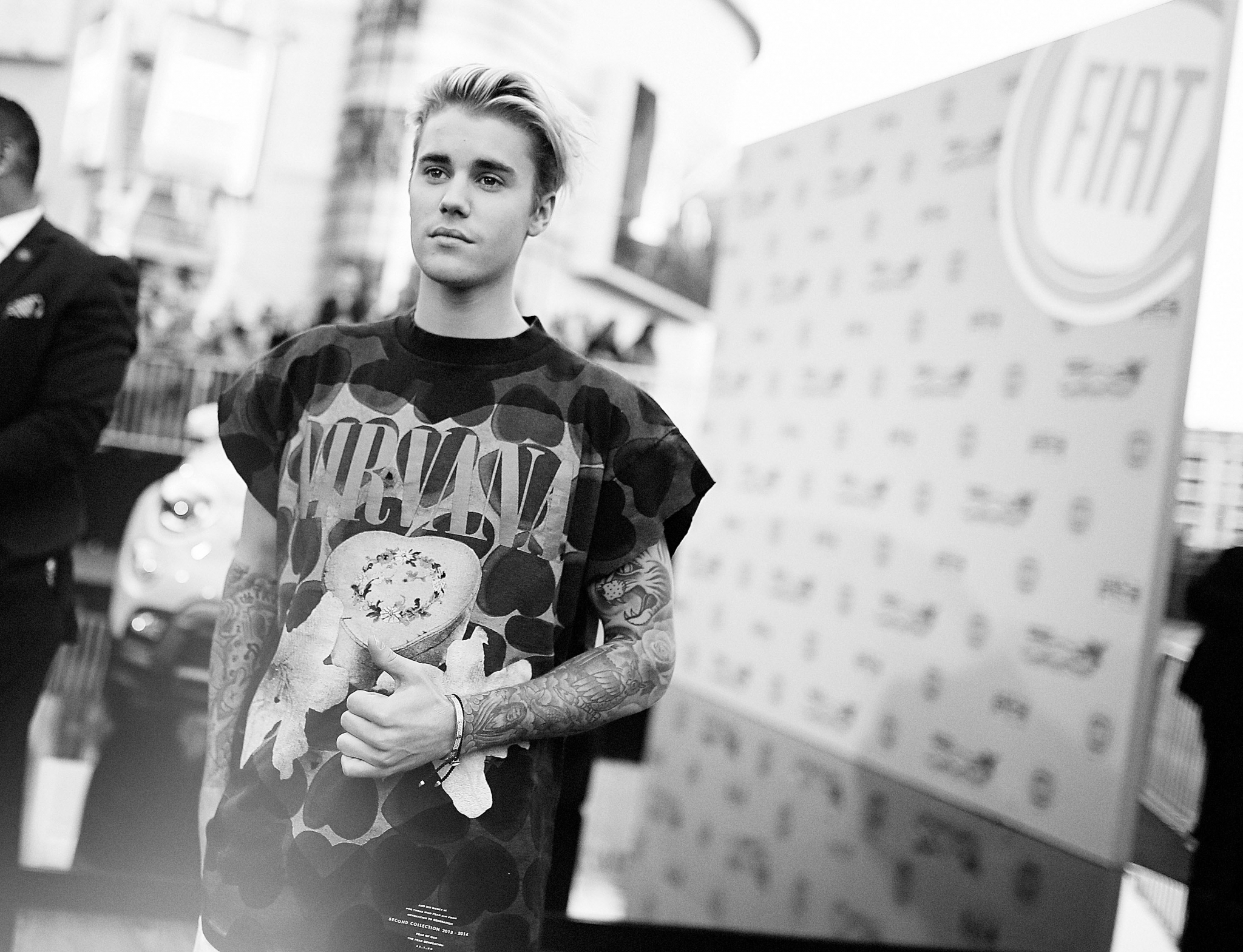 Justin Bieber Quietly Breaks 51 Year Old Record Set By The Beatles