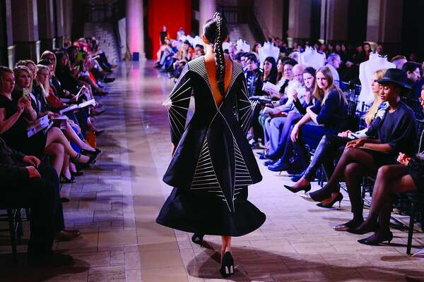 Avant Garde Looks Rule The Runway At Arts Of Fashion Sfchronicle Com