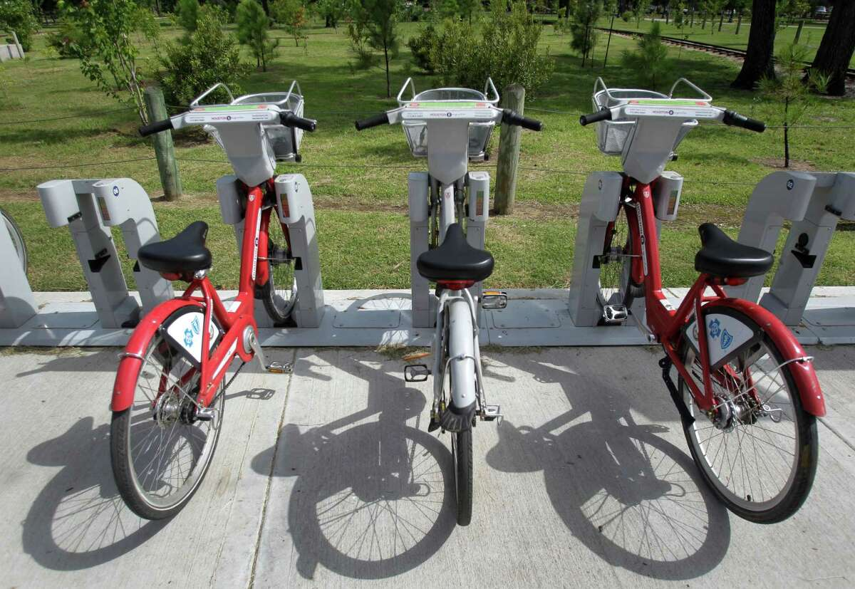 A B-Cycle location near the Houston Zoo at Hermann Park Lake Plaza, 6100 Hermann Park Drive, is shown July 11, 2014. The zoo location is the city's most popular spot for picking up the recognizable bikes. ( Melissa Phillip / Houston Chronicle )
