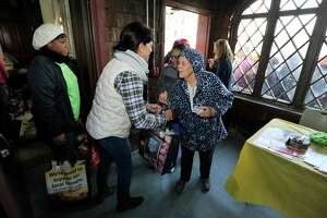 Stamford Thanksgiving giveaway includes 700 turkeys - Photo