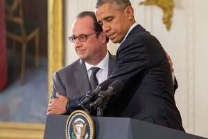 Obama, Hollande pledge solidarity - Photo