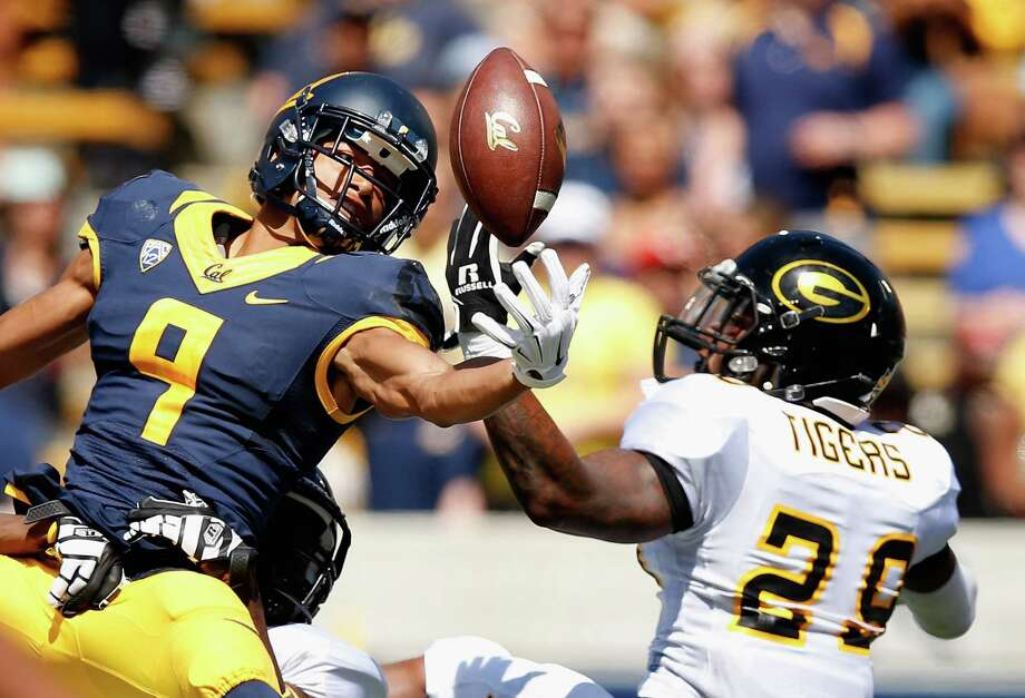 BERKELEY, CA - SEPTEMBER 05:  Trevor Davis #9 of the California Golden Bears can not hold on to the ball while covered by Guy Stallworth #29 of the Grambling State Tigers at California Memorial Stadium on September 5, 2015 in Berkeley, California.  (Photo by Ezra Shaw/Getty Images) *** BESTPIX *** Photo: Ezra Shaw / 2015 Getty Images